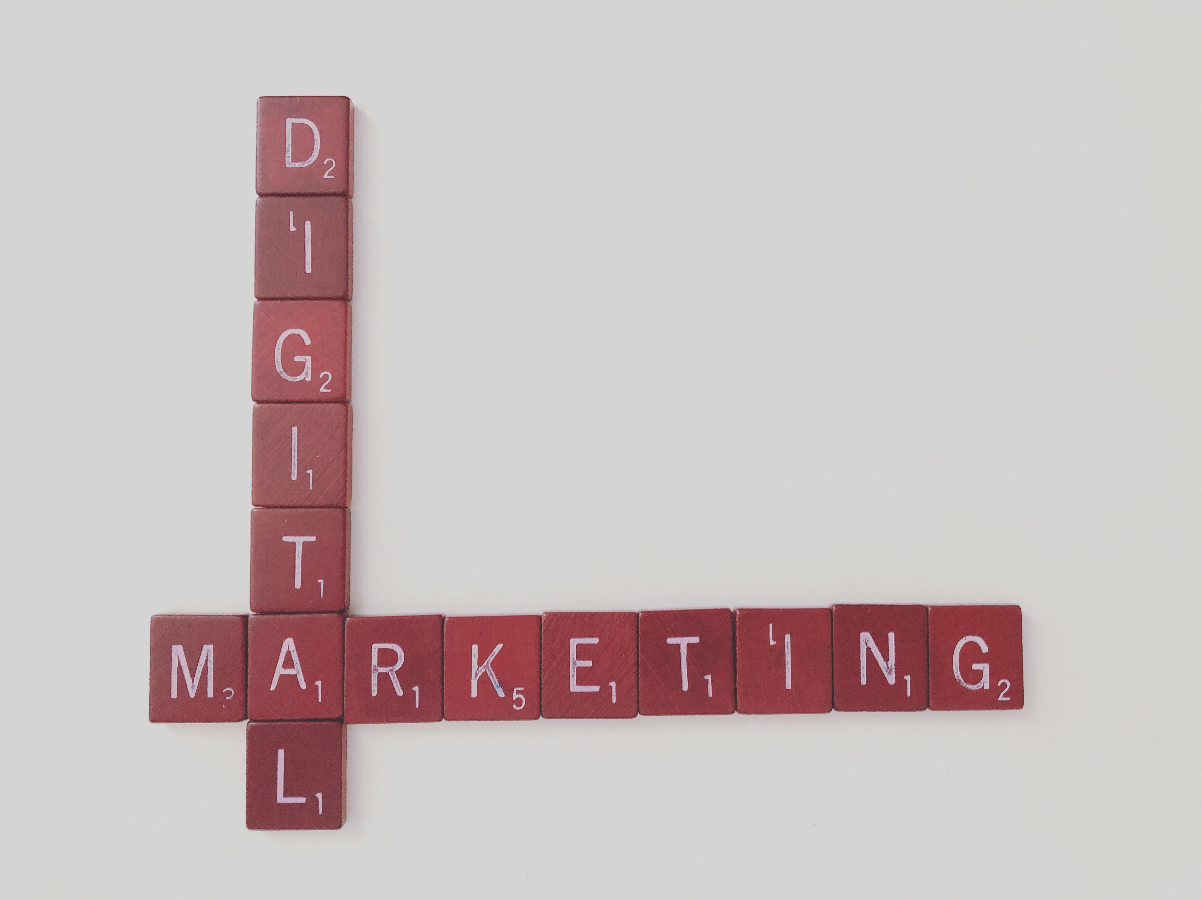 seo-blog-social-media-scritta-digital-marketing