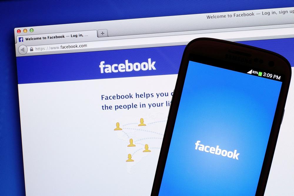 dimensioni immagini social 2020 quelle di Facebook mobile e desktop