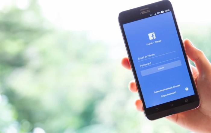 facebook ADS per Ecommerce-facebook accesso da mobile